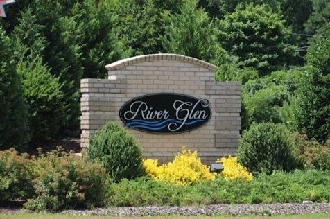River Glen:Community Entrance
