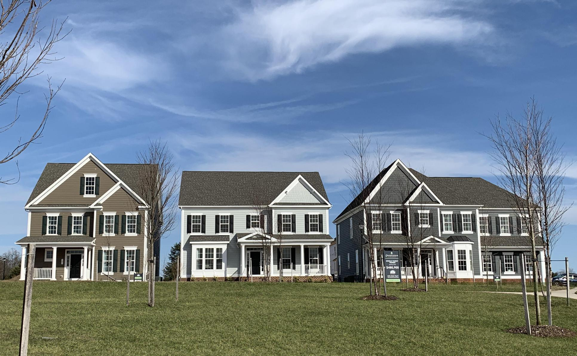 Greenleigh at Crossroads:Williamsburg Homes Manor, Cottage and Villa Homes