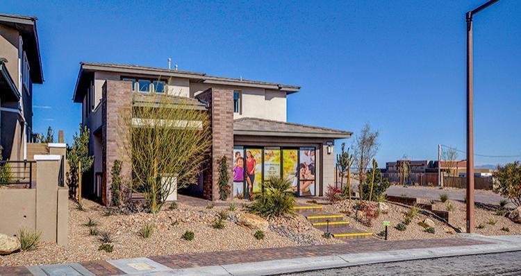 Elevation:Woodside Homes - Del Mar Plan 5