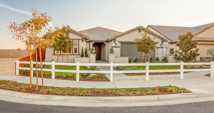 Elevation:Woodside Homes - Cedar